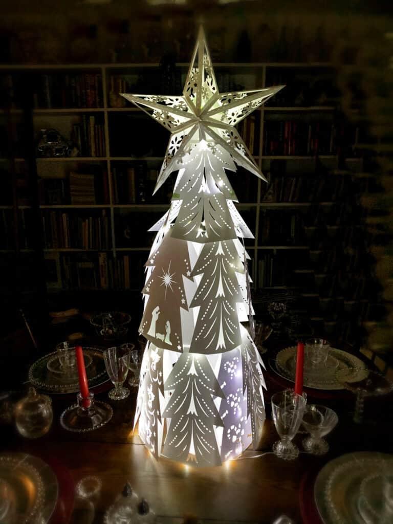 Elegant 3D Paper Christmas Tree (White)